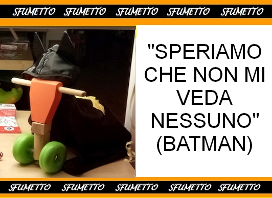 Batman in monopattino