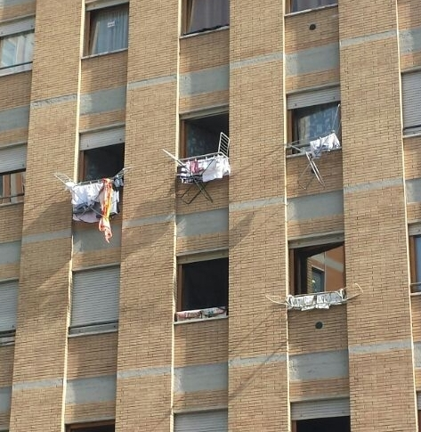 Immagini umoristiche foto divertenti - Asciugare panni in casa ...